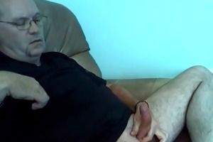 beaded daddy jerking off and shooting