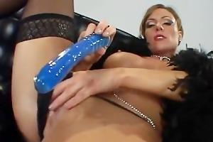 saskia steele taking a black pounder