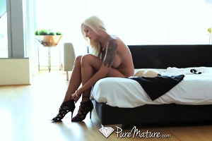 pure mature blond d like to fuck gets creampie