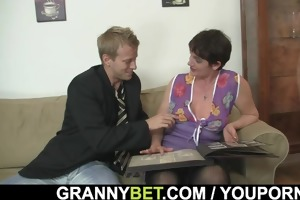 old chick jumping on his large meat