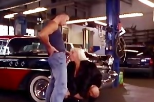 milf gets drilled in the repair shop