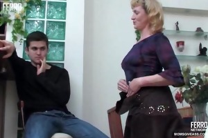 mature woman drilled in the arse