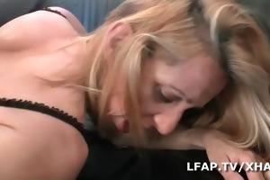 cougar sodomisee par un jeunot