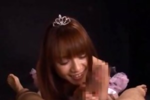 oriental princess babe gives a hot oral-service