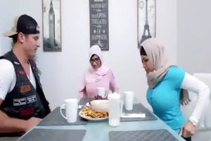 arab mom and daughter sex julianna vega, mia