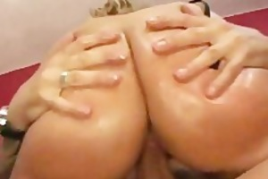 fuck this large titted d like to fuck