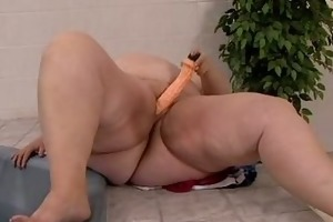 chubby belly mommys dildo playing