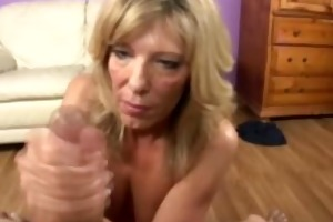 older milf loves her facial from her younger