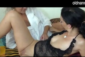 mature licking fur pie of a girl