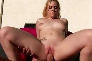 18 year old cindy loo pumps her juicy wet crack
