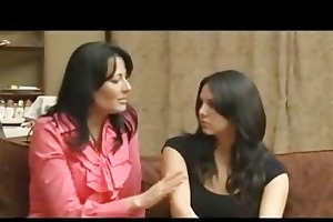 milf shows teen how to be a lesbo