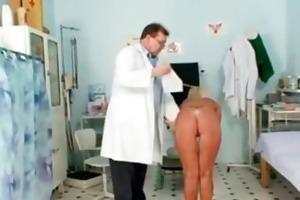 skinny blond cougar perverted fur pie checkup