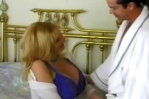 blonde d like to fuck with giant tits having cunt