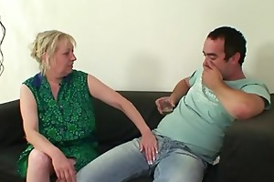 her daughters leaves and she bonks her man