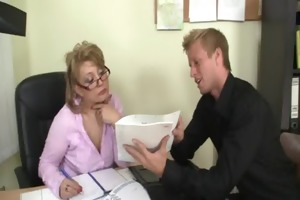 hot office sex with older bitch