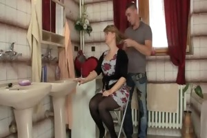 smart dude bangs his mother in law