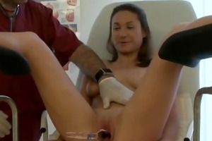 doctor give sharon pussy lick in clinic
