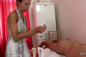 granny masseuse acquires her unshaved hole nailed