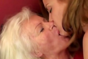 hot playgirl visiting an older lesbo mama