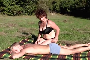 woman massages guy gets fucked-daddi