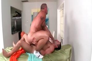 rubgay muscule males massage