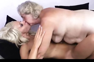 granny teaching how to be lesbo