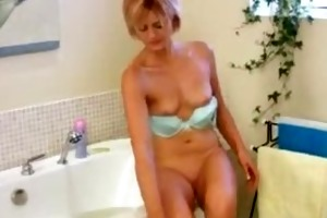 awesome milf housewife masturbation