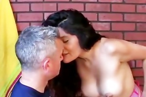spicy amateur latina milf likes to fuck