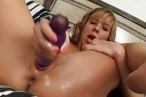 lustful youthful thing chastity lynn frigs her